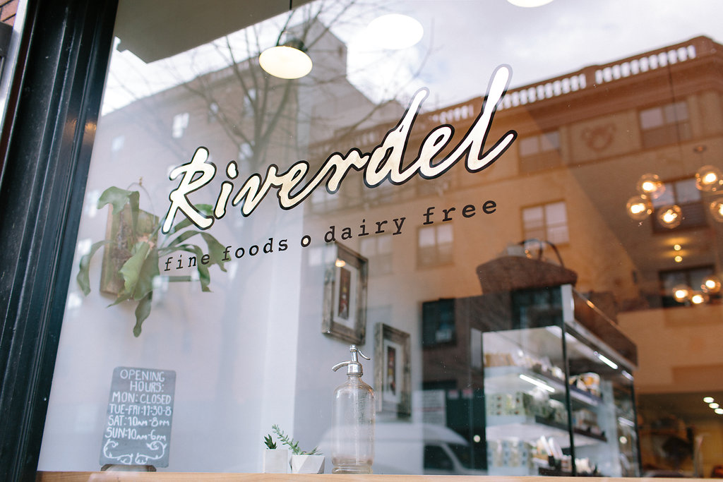 riverdel-cheese-sign