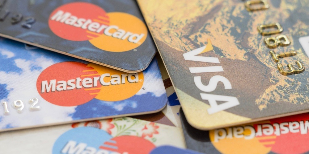 use of credit cards This is the web's largest collection of credit card statistics we culled the best of our own research, data compiled by government agencies, universities and the most reputable private-sector studies.