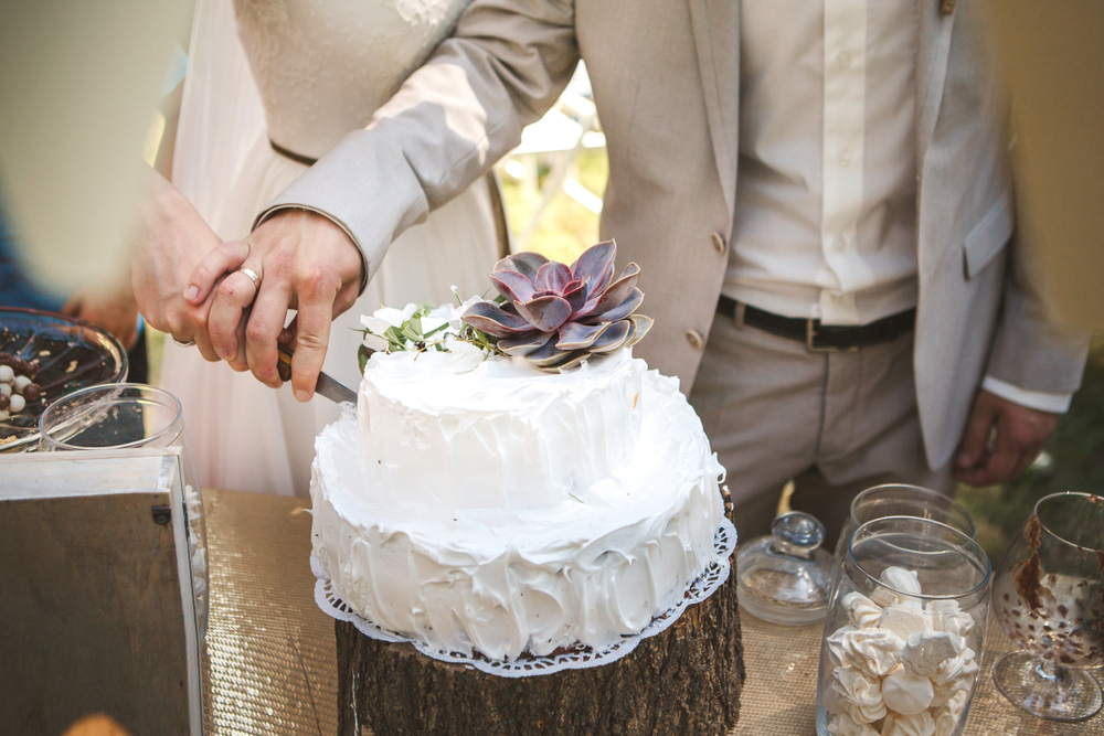 how-to-start-a-wedding-venue