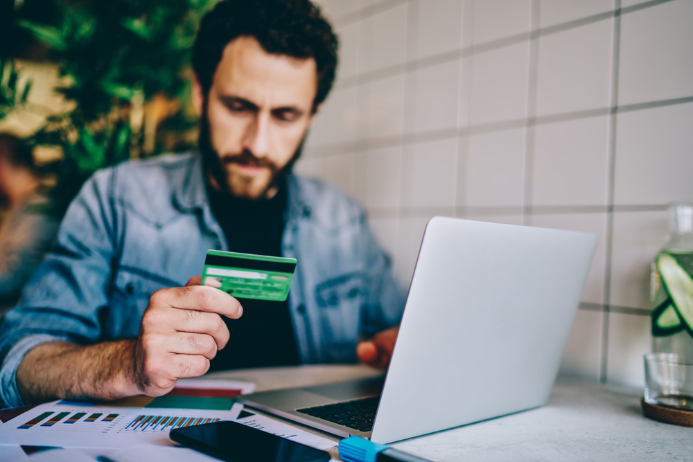 customer paying online with credit card using 2checkout processing