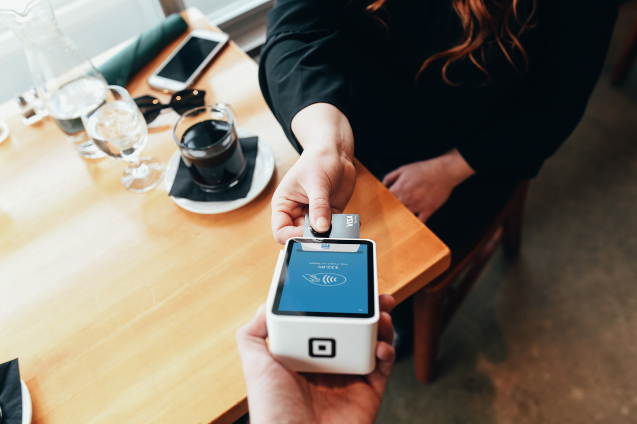 Running a Cashless Business: 6 Pros and Cons You Should Consider